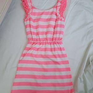 NWOT Lilly Ruffle Sleeve Dress